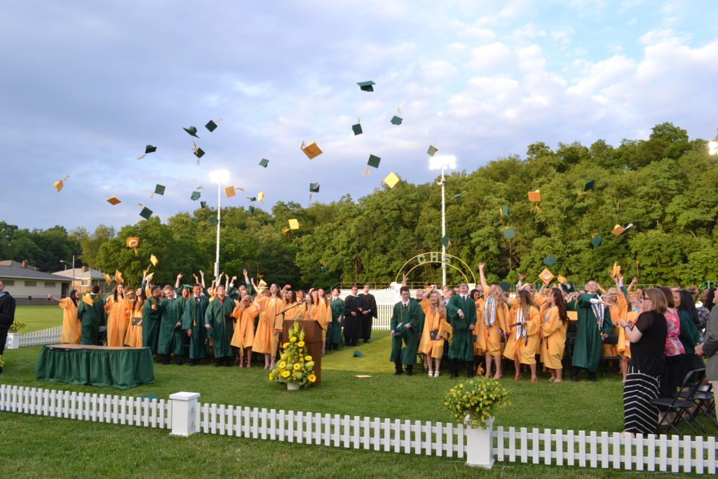 carlynton-commencement-2016